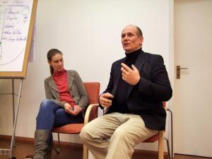 Hugo und Susanne im Heilkundezentrum